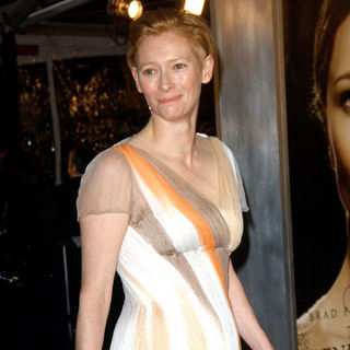 "Tilda Swinton in ""The Curious Case Of Benjamin Button"" Los Angeles Premiere - Arrivals"