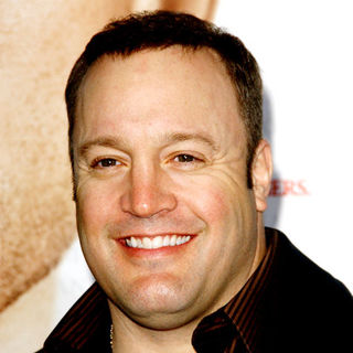 "Kevin James in ""Seven Pounds"" Los Angeles Premiere - Arrivals"