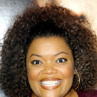 "Yvette Nicole Brown in ""Seven Pounds"" Los Angeles Premiere - Arrivals"