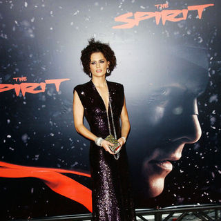 "Stana Katic in ""The Spirit"" Hollywood Premiere - Arrivals"