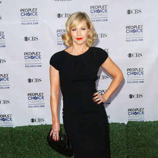 Jennie Garth in 35th Annual People's Choice Awards - Arrivals