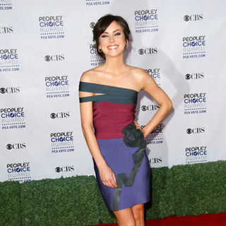 Jessica Stroup in 35th Annual People's Choice Awards - Arrivals - ALO-051021