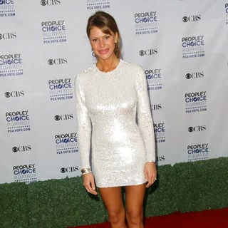 Nikki Cox in 35th Annual People's Choice Awards - Arrivals