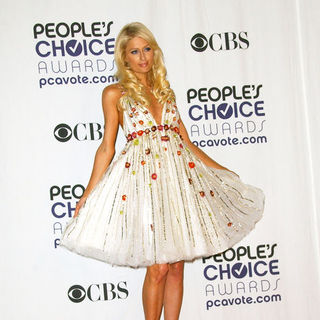 Paris Hilton in 35th Annual People's Choice Awards - Press Room