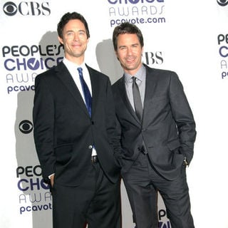 Tom Cavanaugh, Eric McCormack in 35th Annual People's Choice Awards - Press Room