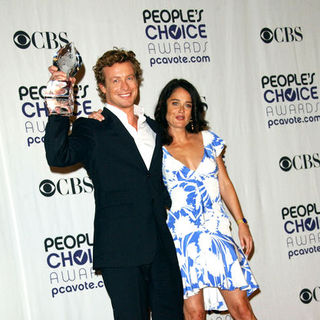 Simon Baker, Robin Tunney in 35th Annual People's Choice Awards - Press Room