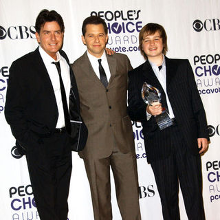 Charlie Sheen, Angus T. Jones, Jon Cryer in 35th Annual People's Choice Awards - Press Room