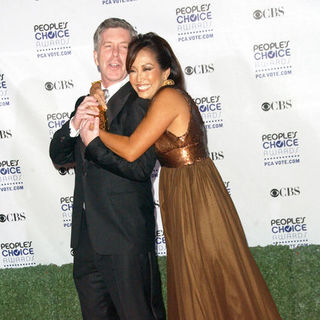 Tom Bergeron, Carrie Ann Inaba in 35th Annual People's Choice Awards - Arrivals
