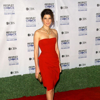 Marisa Tomei in 35th Annual People's Choice Awards - Arrivals
