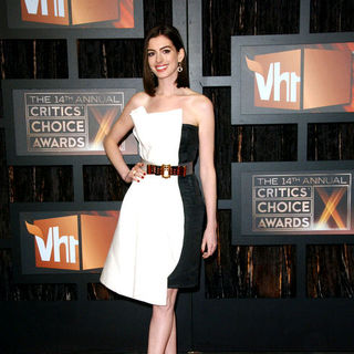 Anne Hathaway in 14th Annual Critics Choice Awards - Arrivals