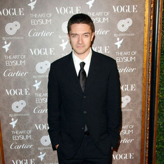 Topher Grace in 2nd Annual The Art of Elysium Heaven Gala - Arrivals
