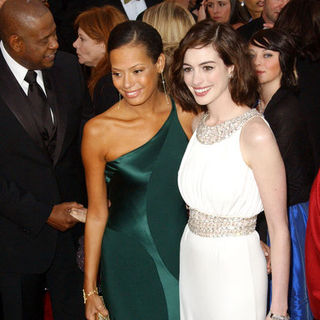 Anne Hathaway, Keisha Nash in 15th Annual Screen Actors Guild Awards - Arrivals