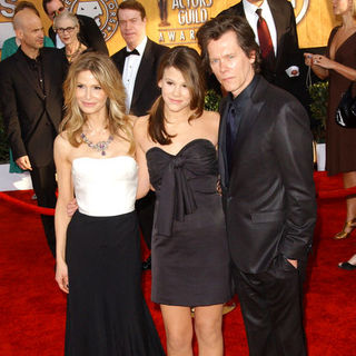 Kyra Sedgwick, Kevin Bacon, Sosie Bacon in 15th Annual Screen Actors Guild Awards - Arrivals