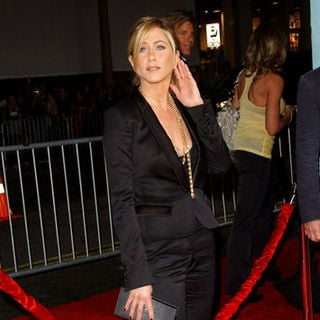 "Jennifer Aniston in ""He's Just Not That Into You"" World Premiere - Arrivals"