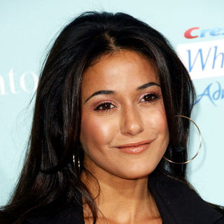 "Emmanuelle Chriqui in ""He's Just Not That Into You"" World Premiere - Arrivals"
