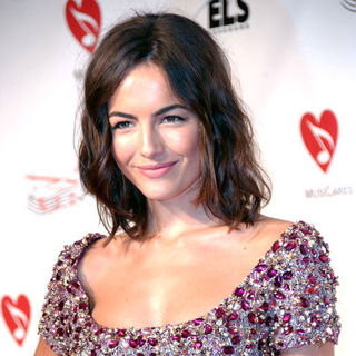 Camilla Belle in Neil Diamond Honored as the 2009 Musicares Person Of The Year - Arrivals
