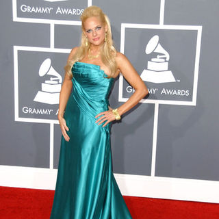 Heather Schmid in The 51st Annual GRAMMY Awards - Arrivals