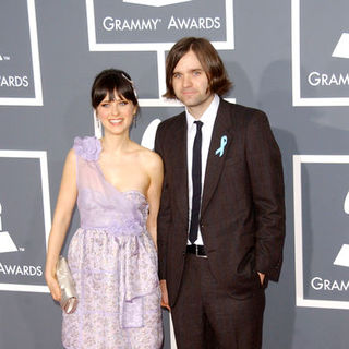 Zooey Deschanel, Ben Gibbard in The 51st Annual GRAMMY Awards - Arrivals