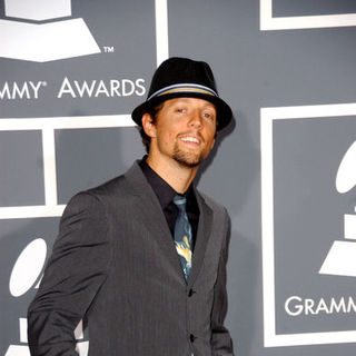 Jason Mraz in The 51st Annual GRAMMY Awards - Arrivals