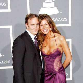 Jay Mohr, Nikki Cox in The 51st Annual GRAMMY Awards - Arrivals