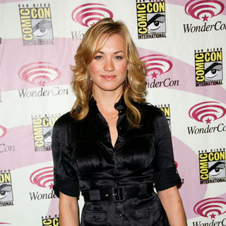 Yvonne Strahovski in Wonder Con - Day 3