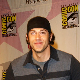 Zachary Levi in Wonder Con - Day 3