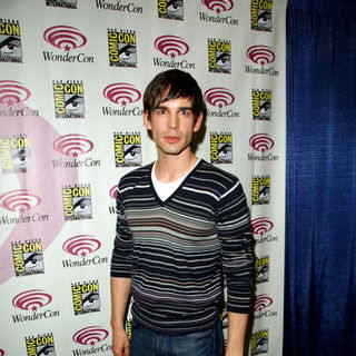 Christopher Gorham in Wonder Con - Day 3