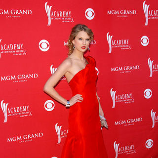 Taylor Swift in 44th Annual Academy Of Country Music Awards - Arrivals