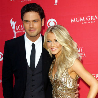 Chuck Wicks, Julianne Hough in 44th Annual Academy Of Country Music Awards - Arrivals
