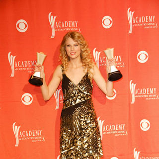 Taylor Swift in 44th Annual Academy Of Country Music Awards - Press Room