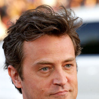 "Matthew Perry in ""17 Again"" Los Angeles Premiere - Arrivals"
