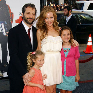 "Judd Apatow, Leslie Mann in ""17 Again"" Los Angeles Premiere - Arrivals"