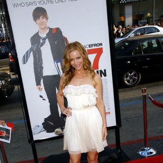 "Leslie Mann in ""17 Again"" Los Angeles Premiere - Arrivals"