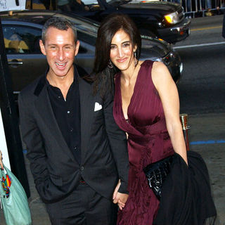 "Adam Shankman, Jennifer Gibgot in ""17 Again"" Los Angeles Premiere - Arrivals"