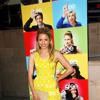 "Dianna Agron in ""Glee"" Los Angeles Premiere Event - Arrivals"