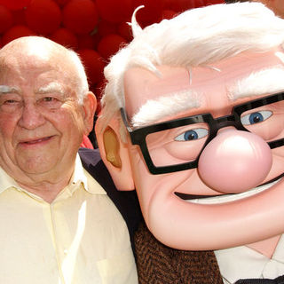 "Edward Asner in ""Up"" Los Angeles Premiere - Arrivals"