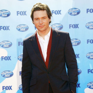 Michael Johns in 2009 American Idol Finale - Arrivals