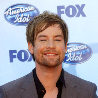 David Cook in 2009 American Idol Finale - Arrivals