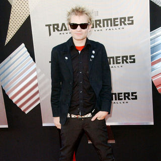 "Deryck Whibley in 2009 Los Angeles Film Festival - ""Transformers: Revenge of the Fallen"" Premiere - Arrivals"