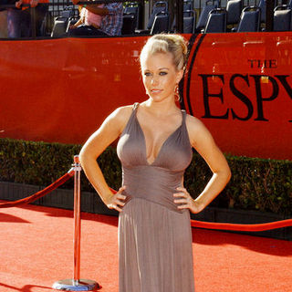 Kendra Wilkinson in 17th Annual ESPY Awards - Arrivals