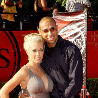 Kendra Wilkinson, Hank Baskett in 17th Annual ESPY Awards - Arrivals