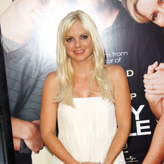 "Anna Faris in ""Funny People"" Los Angeles Premiere - Arrivals"