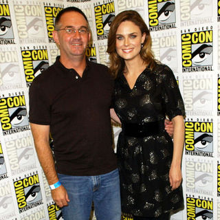 Emily Deschanel, Hart Hanson in 2009 Comic Con International - Day 2