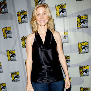 Elizabeth Mitchell in 2009 Comic Con International - Day 3
