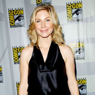 Elizabeth Mitchell in 2009 Comic Con International - Day 3 - ALO-078613