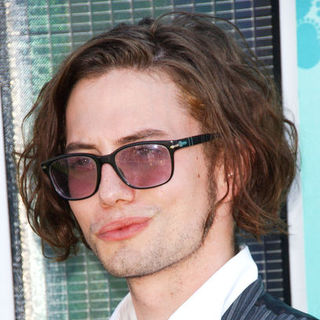Jackson Rathbone in 2009 Teen Choice Awards - Arrivals