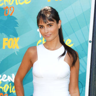 Jordana Brewster in 2009 Teen Choice Awards - Arrivals