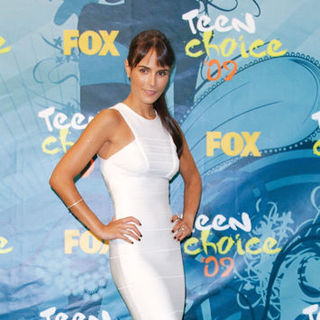 Jordana Brewster in 2009 Teen Choice Awards - Press Room