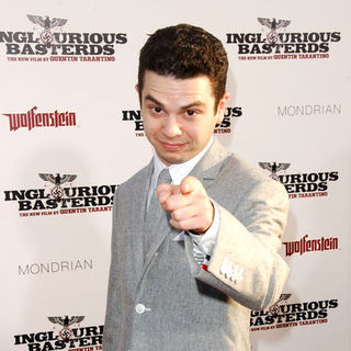 "Samm Levine in ""Inglourious Basterds"" Los Angeles Premiere - Arrivals"