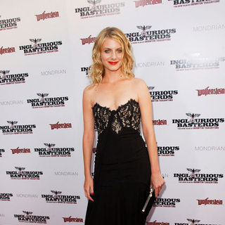 "Melanie Laurent in ""Inglourious Basterds"" Los Angeles Premiere - Arrivals"